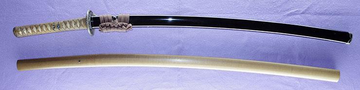katana [yamana minamoto tokiyosh monjin_no tame utsunomiya tarou renzou Meiji 31] (satsuma) Picture of SAYA